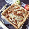 Torta salata di pasta sfoglia con cespi di indivia belga, mele gorgonzola parmigiano e arachidi salate