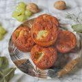 Muffin salati senza uova con noci uva pancetta e rosmarino