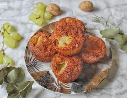 Muffin senza uova con uva noci e pancetta