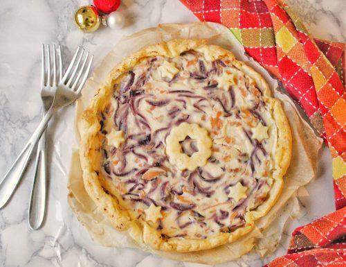 Torta salata con salmone ricotta e cipolle caramellate