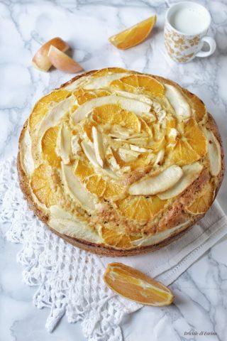Torta con mele arance senza lattosio con succo di arancia