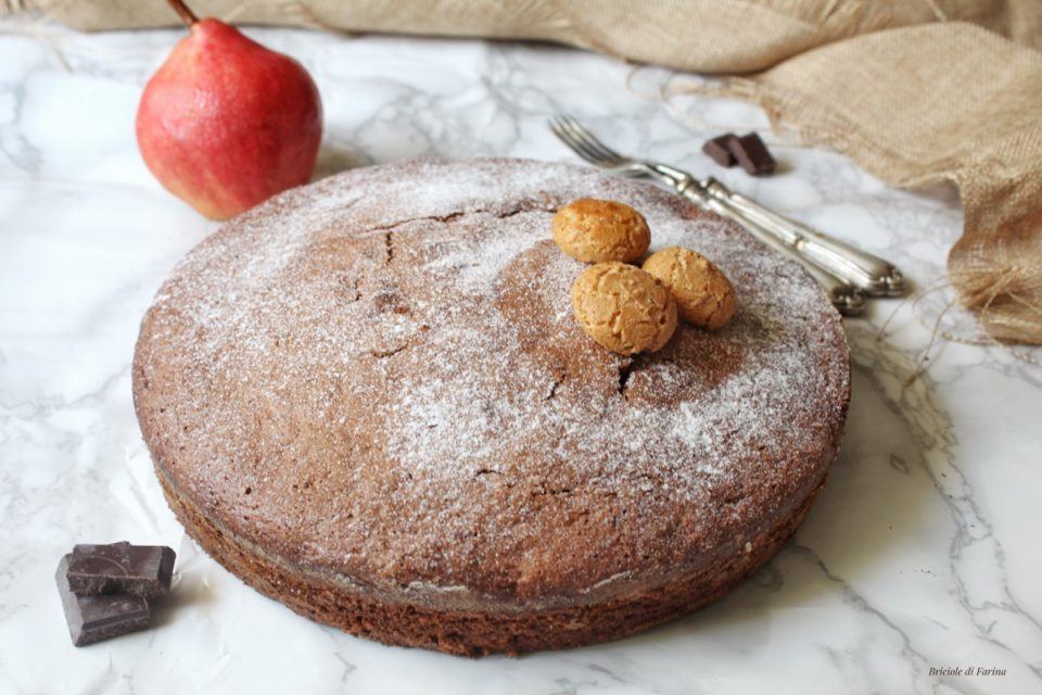Torta soffice con pere cioccolato fondente e rum