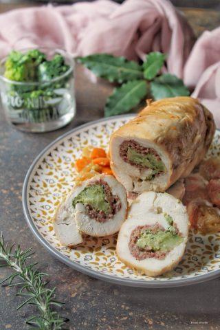 Arrosto di pollo ripieno di salsiccia e broccoli