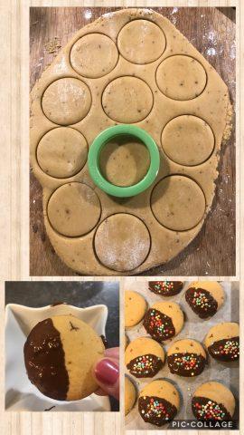 Biscotti di frolla al latte con cioccolato e codette colorate