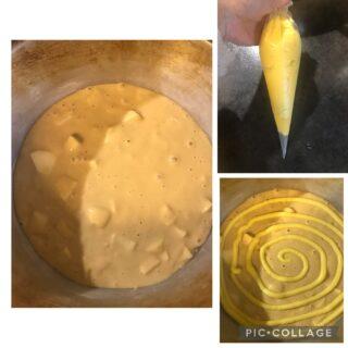 Torta girella con crema pasticcera in superficie e mele