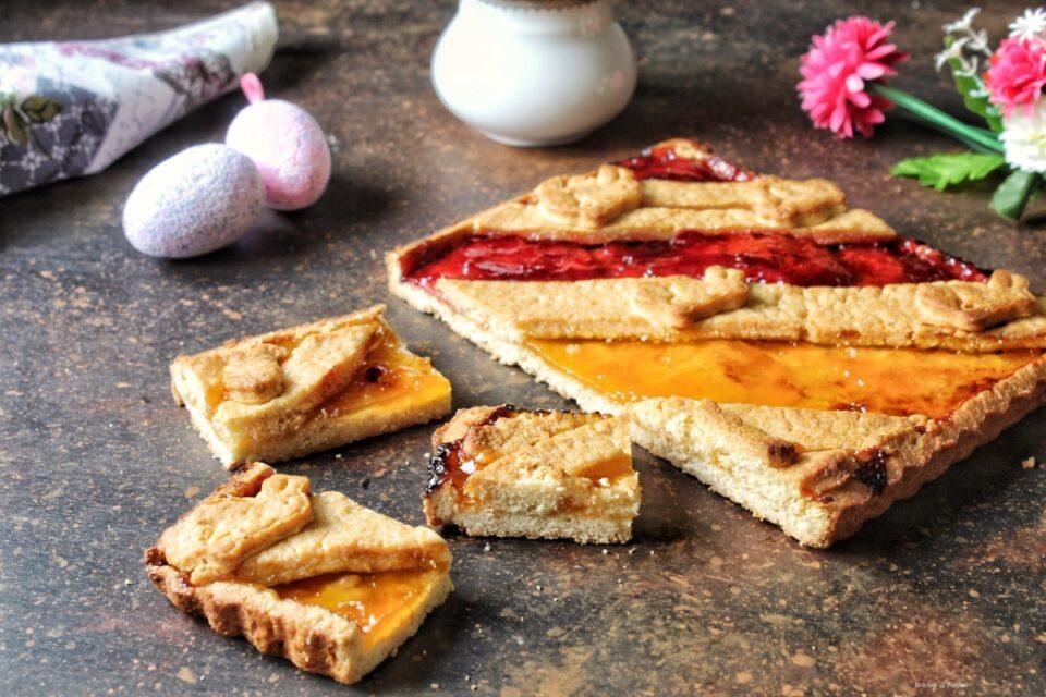 Crostata senza burro alla confettura di albicocche e fragole