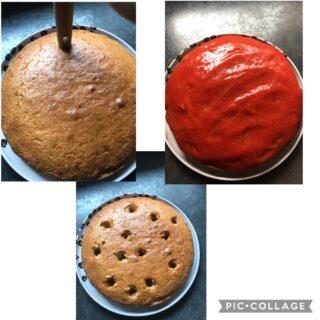 Pole cake,torta con buchi riempita da crema alle fragole senza uova e senza latte