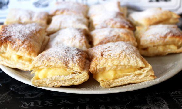 Sfogliatine alla crema, dolce facile e veloce!