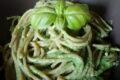 Spaghetti integrali alla crema di piselli, zucchine e spinaci