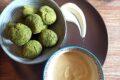 Polpette di ceci alle ortiche con salsina allo yogurt e curry