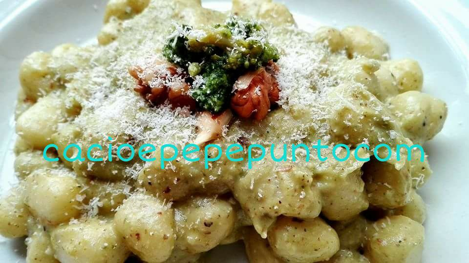 crema di broccoli baresi e noci