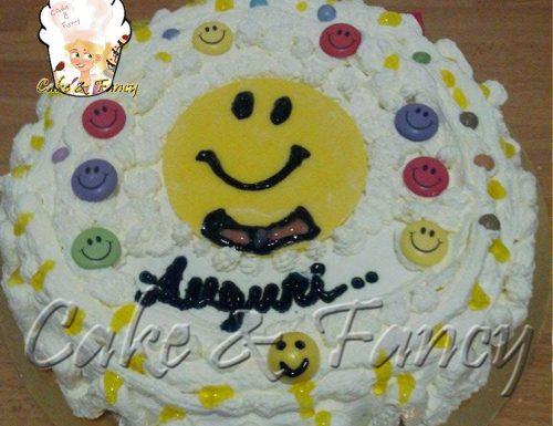 Torta Smile panna e fragole – ricetta facile