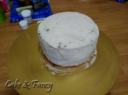 Pan di spagna piccolo con panna cake e fancy