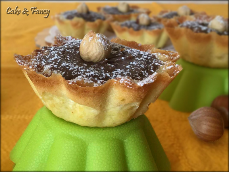 Crostatine crema ricotta e nocciole cake fancy for Compro casa asiago