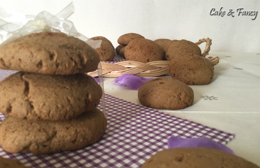 Biscotti integrali e mandorle senza lattosio