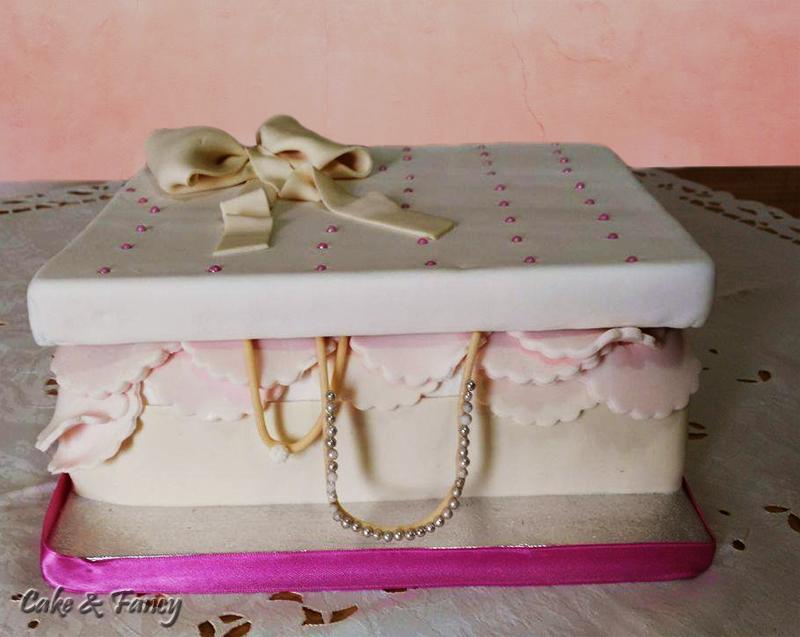 Torta elegante - portagioie in pasta di zucchero