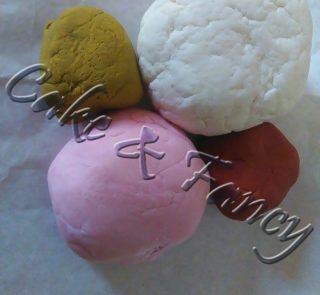 Pasta di zucchero vari colori