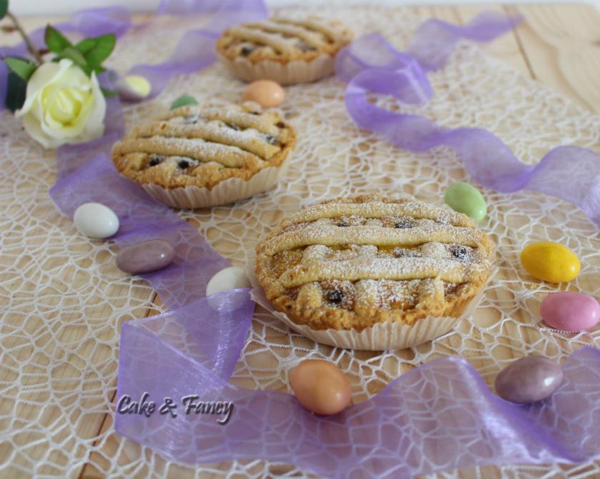 Crostatine di pastiera all'arancia con gocce di cioccolato