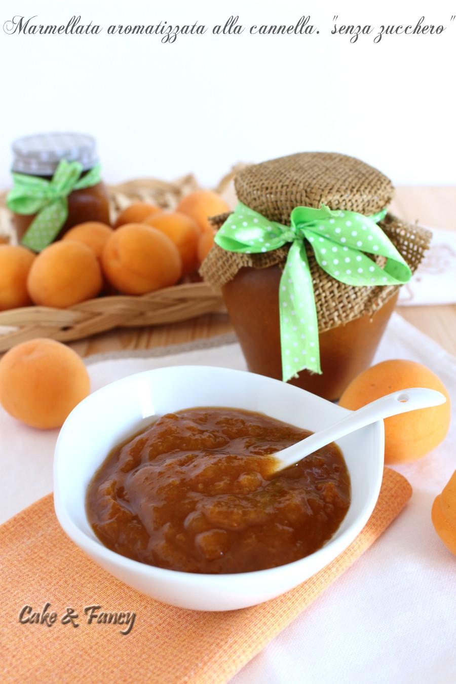 """Marmellata di albicocche aromatizzata alla cannella """"senza zucchero"""""""
