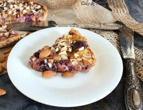 Crostata rustica di prugne fresche e mandorle