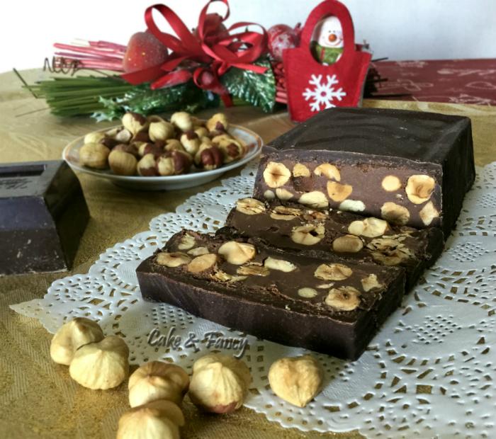 Torrone morbido cioccolato e nocciole