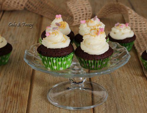 Cupcake al cioccolato decorati