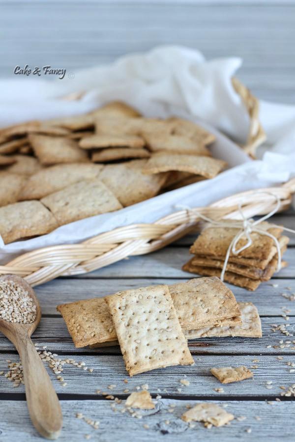 crackers al sesamo