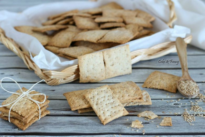Crackers al sesamo croccanti