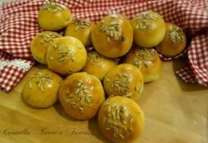 panini al kamut con lievito naturale e semi di girasola 1++