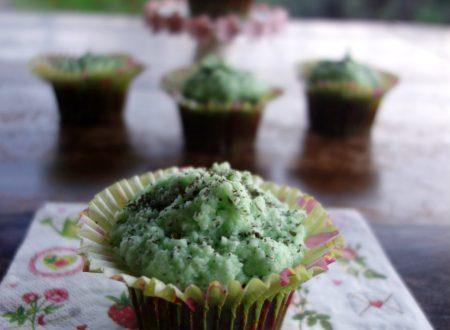 Cupcakes al cioccolato e tè verde