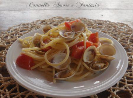 Spaghetti alle vongole e pomodorini ciliegino