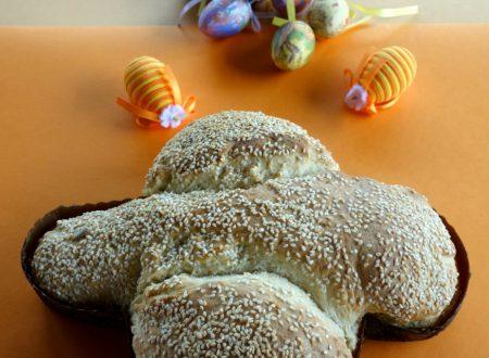 Pane a forma di colomba per Pasqua