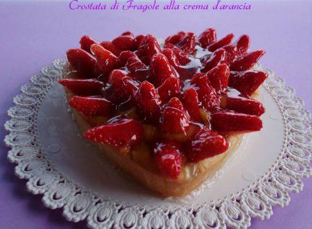 Crostata di fragole alla crema di arancia senza zucchero e latte