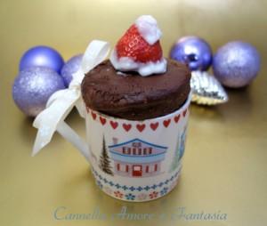 Mug kake Natalizia al doppio cioccolato la giusta orizontale