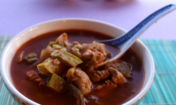 Zuppa di pollo speziata
