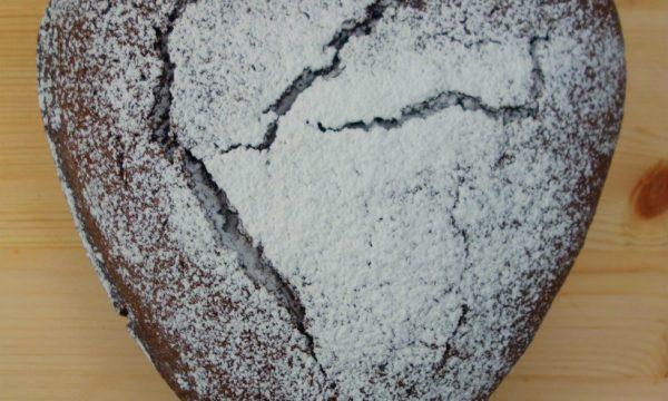 Torta romantica al cioccolato e baileys