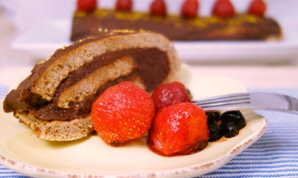 Rotolo di pasta biscotto al caffè con crema al cioccolato fondente