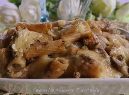 Pasta al forno integrale con ragù di carciofi e piselli