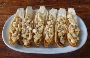 Barchette di insalata belga e tofu marinato