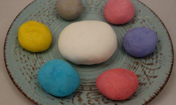 Pasta di zucchero come si fa e come si colora