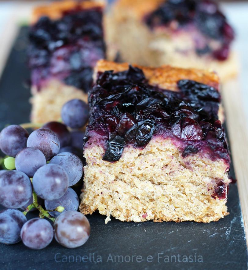 Focaccia dolce integrale con uva fragola 2
