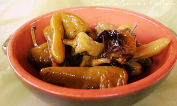 Peperoncini verdi friarelli in padella – ricetta siciliana