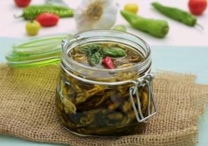 Peperoni secchi sott'olio alla siciliana
