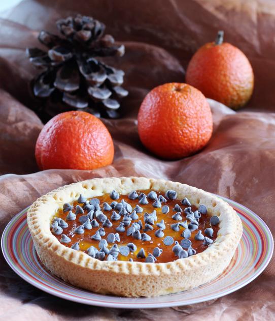 Crostata con marmellata di arance e cioccolato.