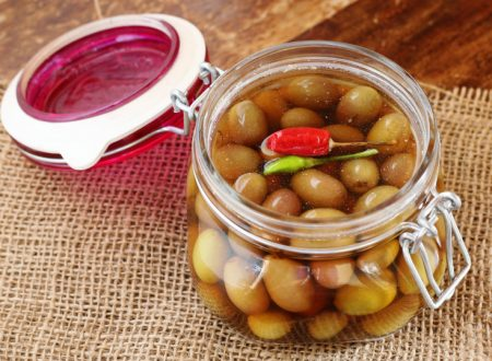 Olive in salamoia – ricetta facile tipica marchigiana