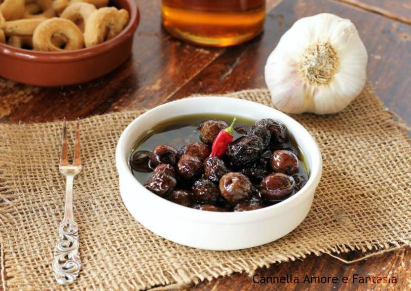 Olive nere sott'olio alla siciliana 1