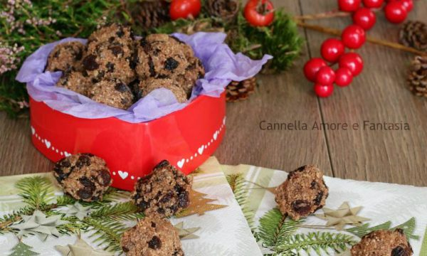 Biscotti Khajur pak al cioccolato e uva passa – idea regalo