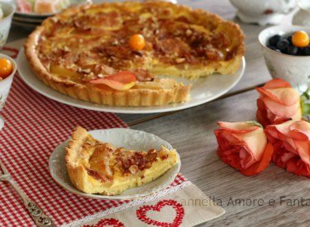 Crostata con crema pasticcera pere e mandorle