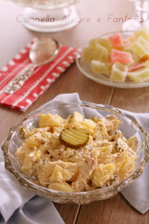Insalata di pollo e patate cremosa