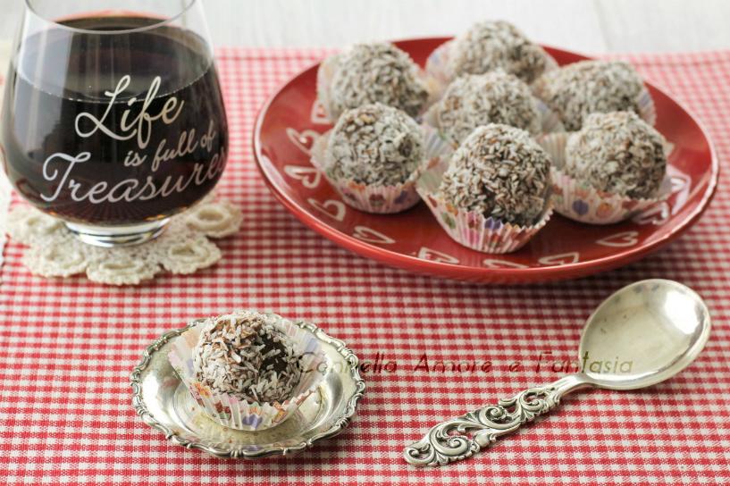 Tartufi pandoro nutella e cocco – ricetta facile e golosa